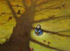 Una bambina osserva i rami di un albero carichi di animali
